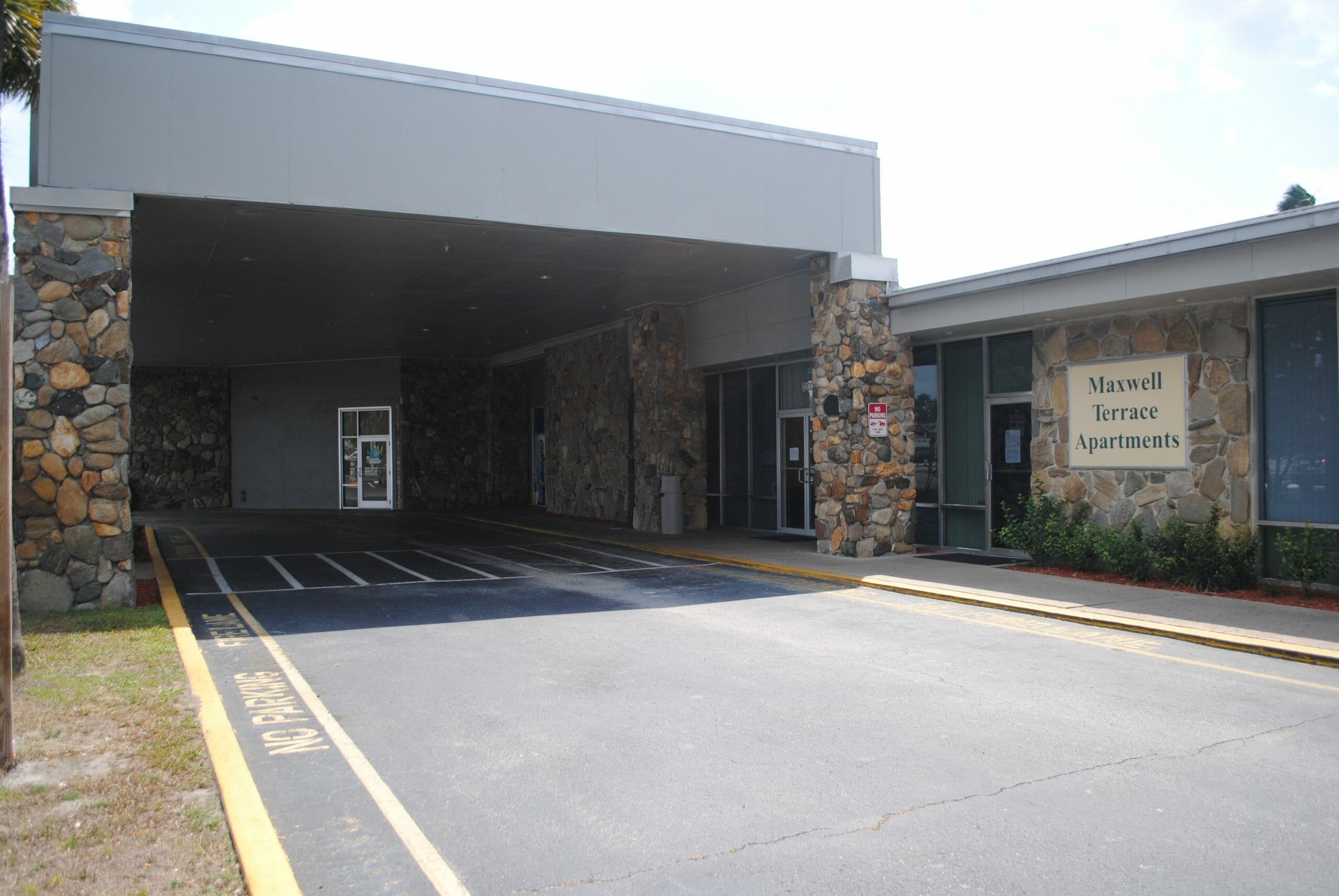 Photo of the exterior of Maxwell Terrace Apartments
